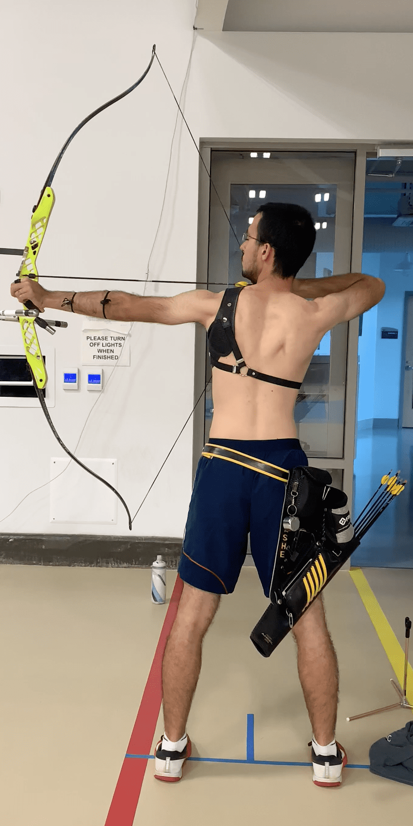 recurve archer showing good posture and spine position