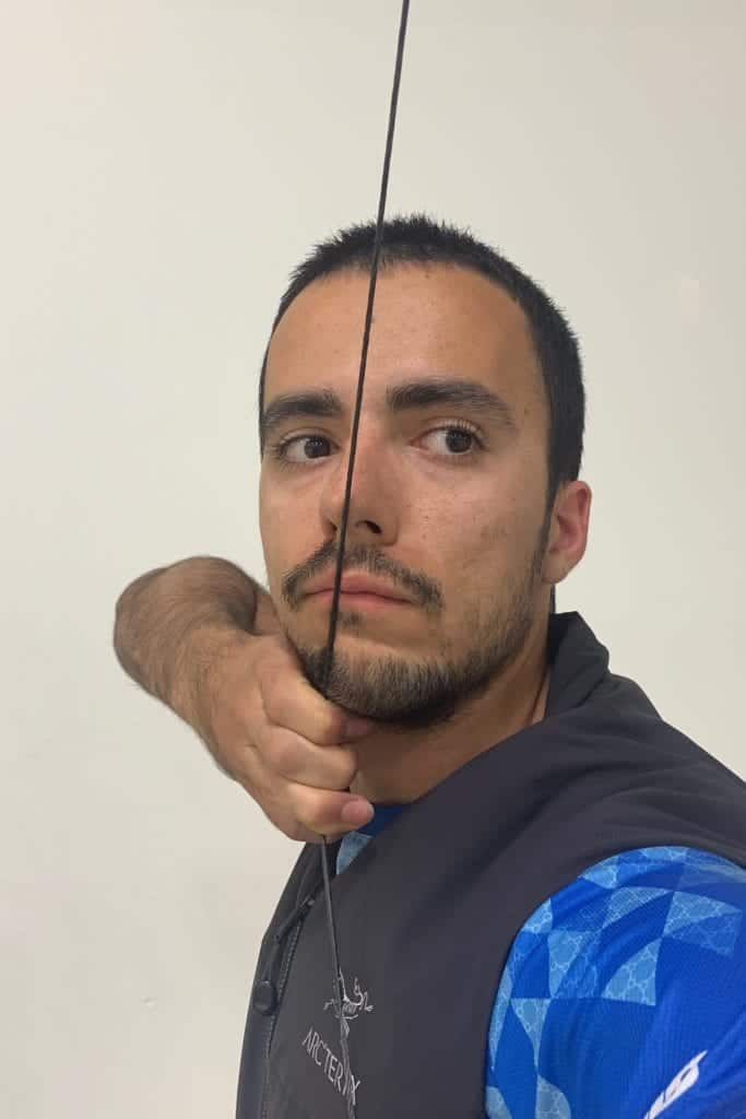 good recurve upper body posture and head position