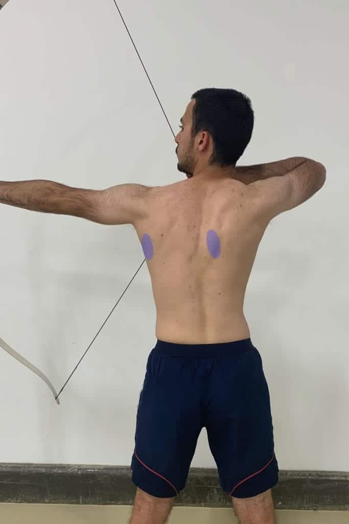 recurve archer with good upper body posture and shoulder position