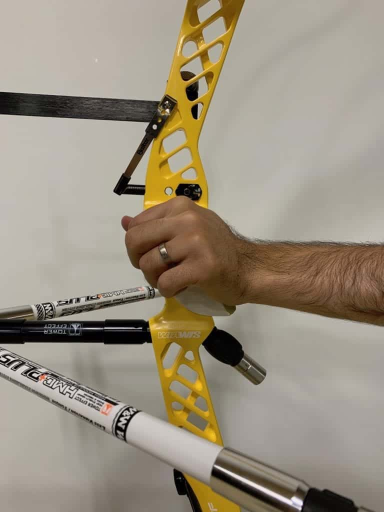 recurve bow hand positioning in grip