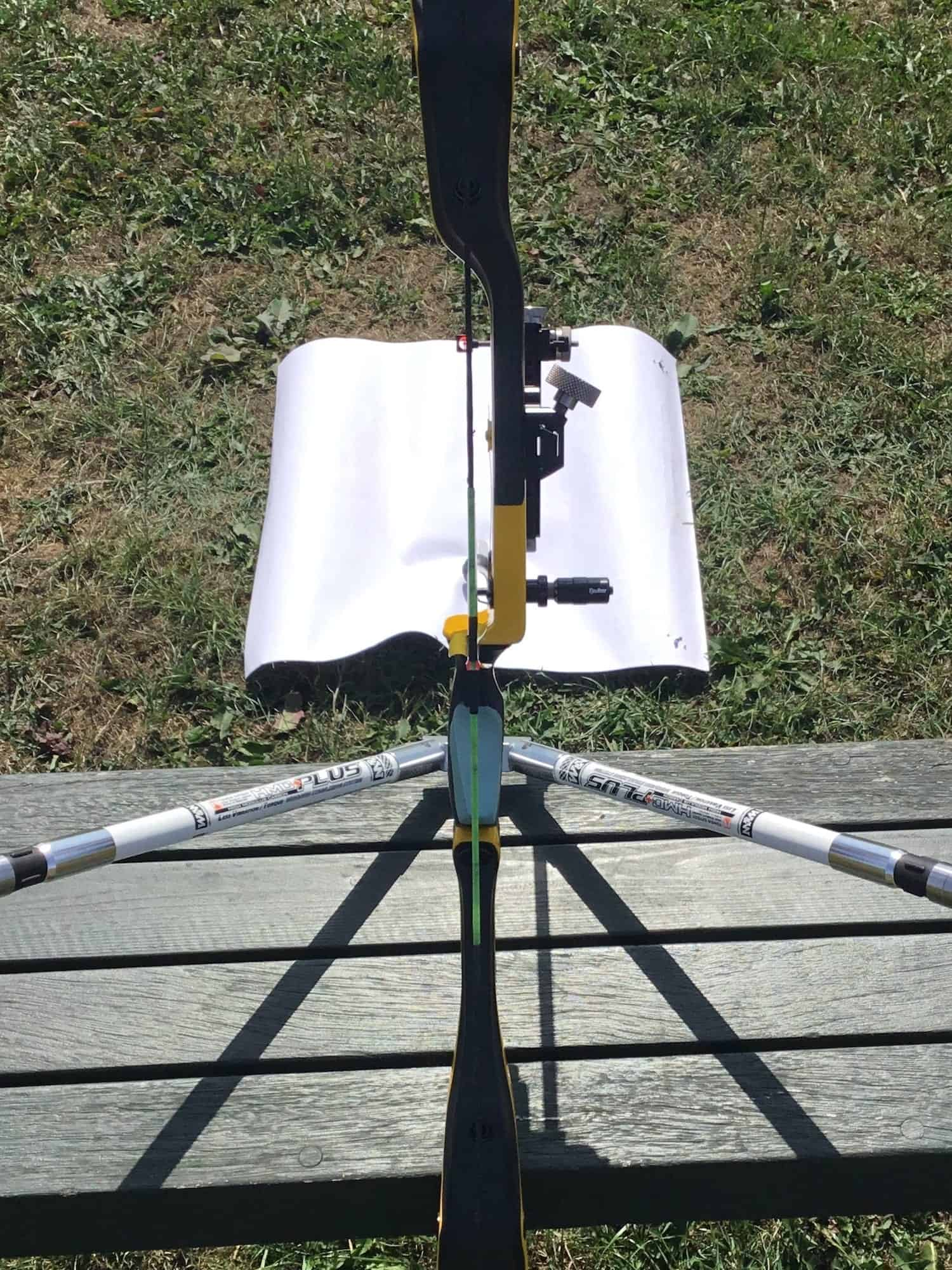 Sight alignment for a recurve bow