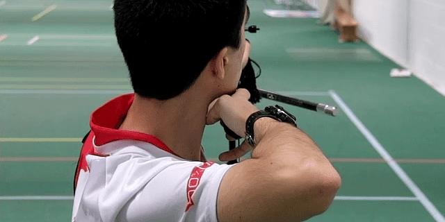 bad anchor position with common recurve archery mistakes