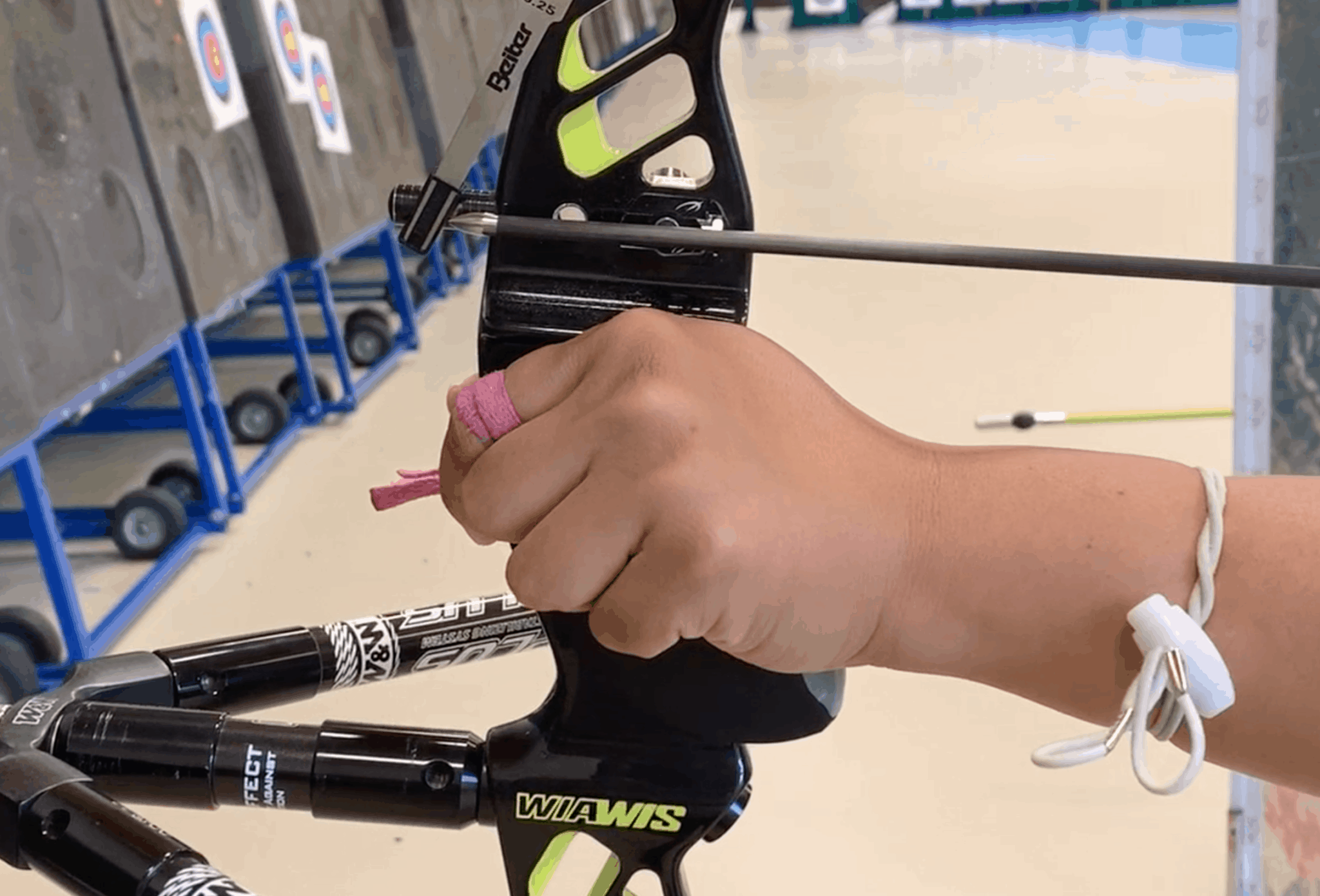 recurve archery clicker control drill showing extension