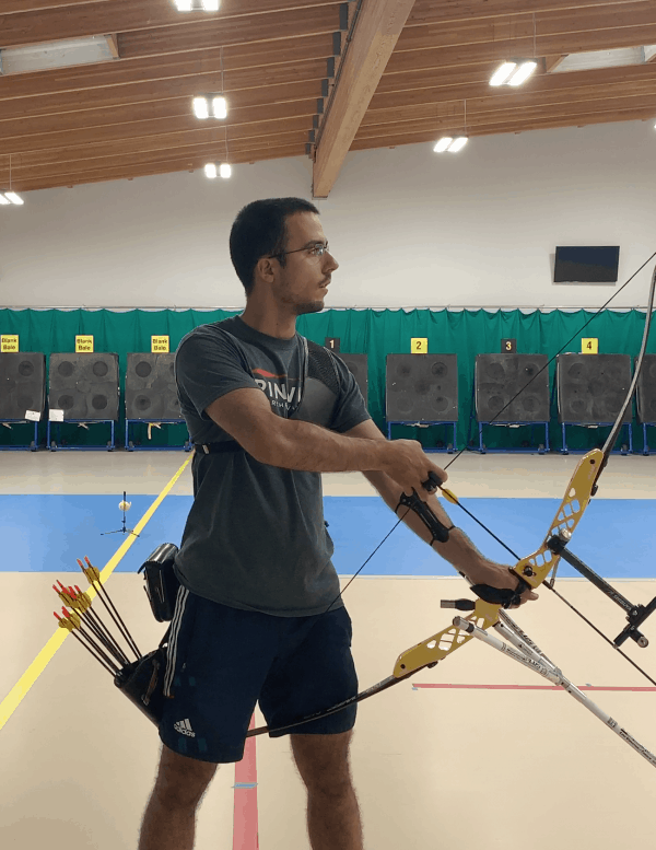 recurve archer showing hook and grip set